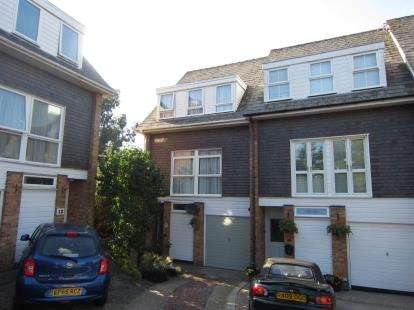 5 Bedrooms End Of Terrace House for sale in Brentwood, Essex