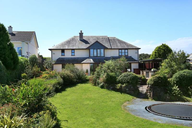 5 Bedrooms Detached House for sale in Hollacombe, Plymouth