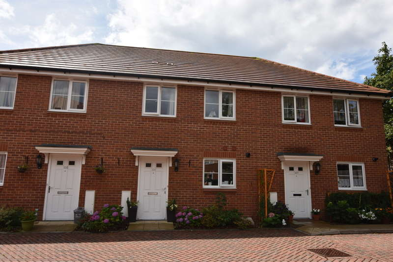 2 Bedrooms Terraced House for sale in Offord Grove, Leavesden, Watford
