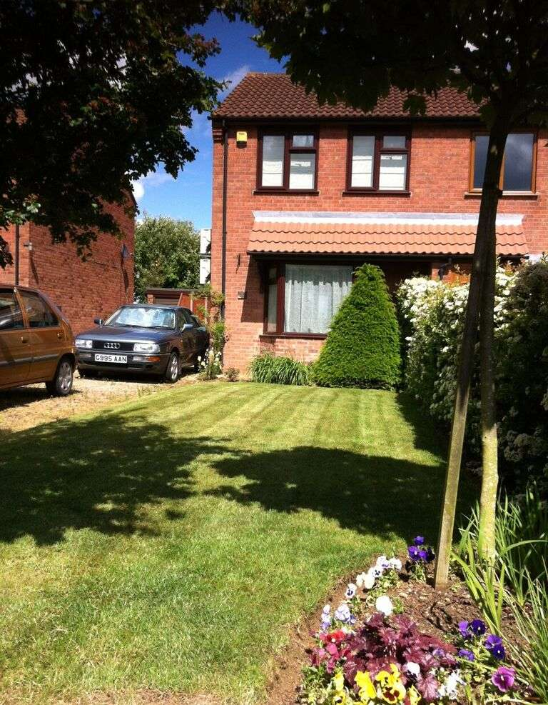 2 Bedrooms Semi Detached House for sale in Thurlow Court, Lincoln