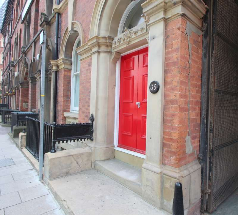 2 Bedrooms Apartment Flat for rent in Aire Street F6, City Centre, Leeds