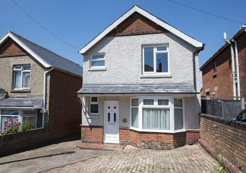 3 Bedrooms Detached House for sale in Halstead Road, Southampton, Hampshire, SO18