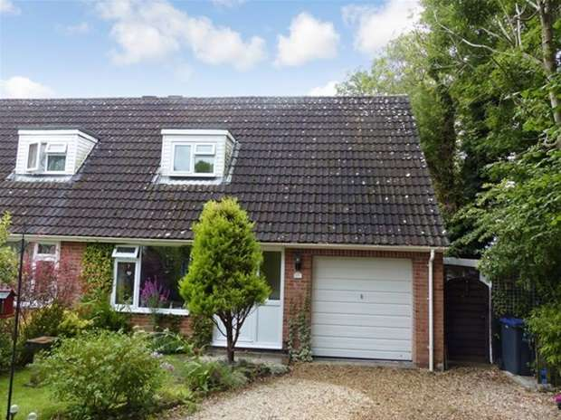 3 Bedrooms Semi Detached House for sale in Copheap Rise