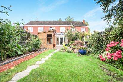 3 Bedrooms Terraced House for sale in Shawbury Cottages, Pump Lane, Shustoke, Coleshill