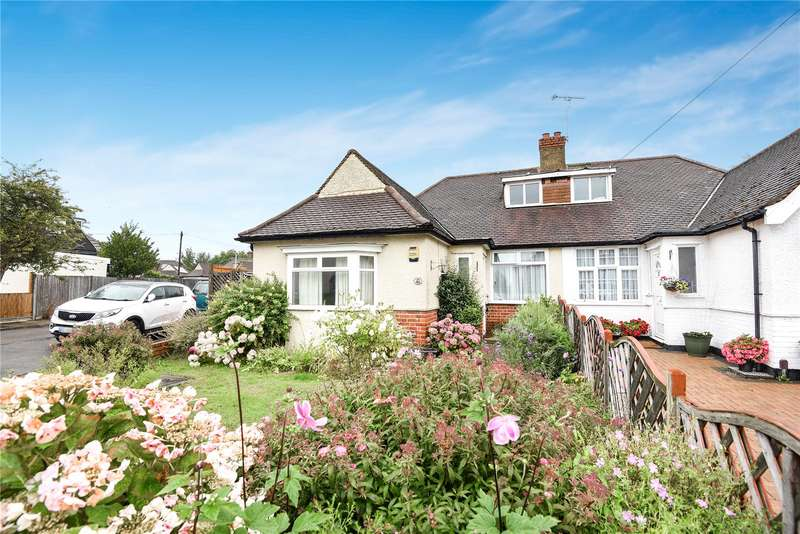 3 Bedrooms Semi Detached Bungalow for sale in Willow Gardens, Ruislip, Middlesex, HA4