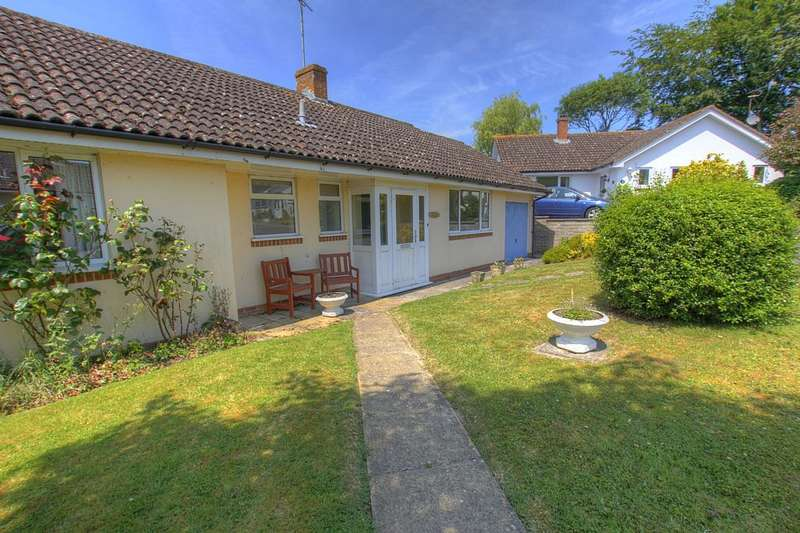 3 Bedrooms Detached Bungalow for sale in Collyers Rise, Fontmell Magna, Shaftesbury, Dorset, SP7 0PJ
