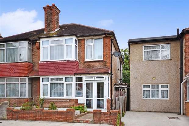 3 Bedrooms Semi Detached House for sale in Beaumont Avenue, Wembley, Middlesex