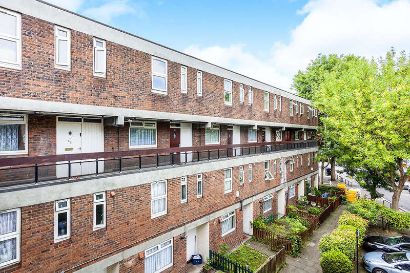 3 Bedrooms Flat for sale in Ethnard Road, London, SE15