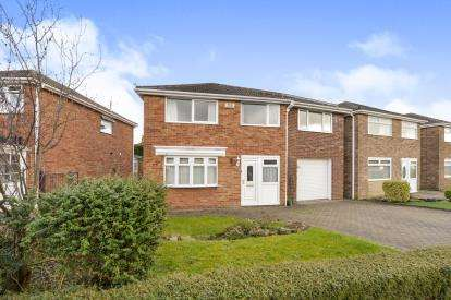 4 Bedrooms Detached House for sale in Crowood Avenue, Stokesley, Middlesbrough