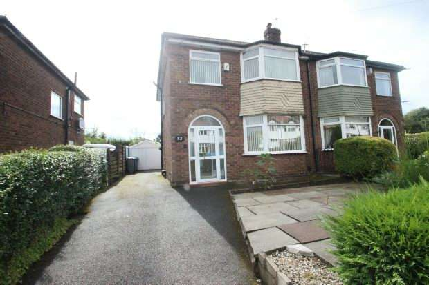3 Bedrooms Semi Detached House for rent in Grosvenor Road, Sale