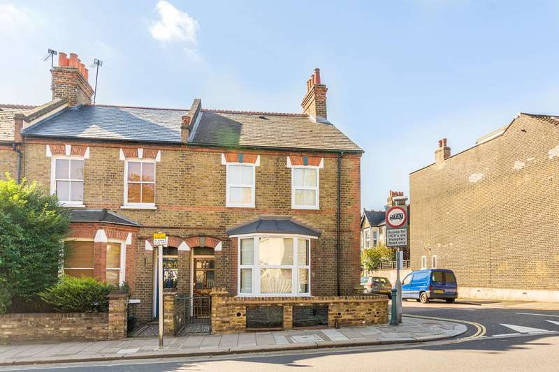 2 Bedrooms House for sale in Staines Road, Twickenham, TW2