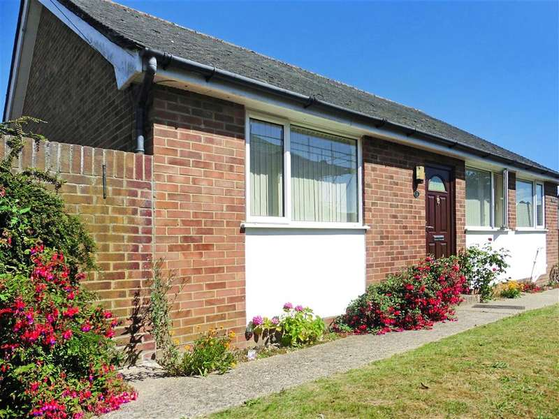 3 Bedrooms Bungalow for sale in The Drive, Southbourne, West Sussex