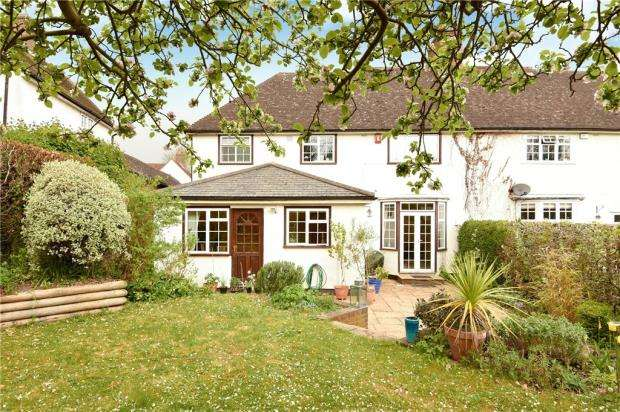 4 Bedrooms Semi Detached House for sale in Litchfield Way, Guildford, Surrey