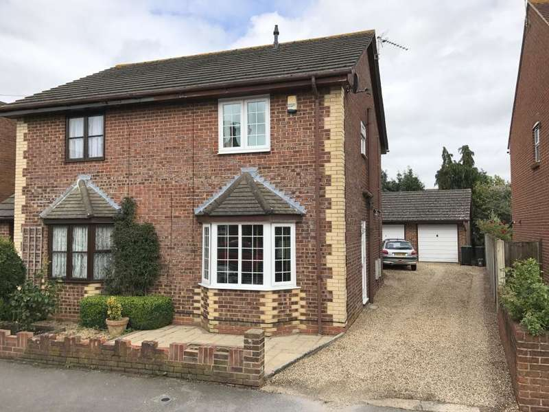 2 Bedrooms Semi Detached House for sale in WIMBORNE