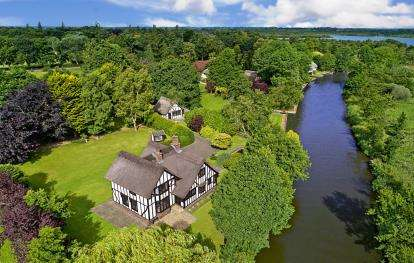 5 Bedrooms Detached House for sale in Irstead, Norwich, Norfolk