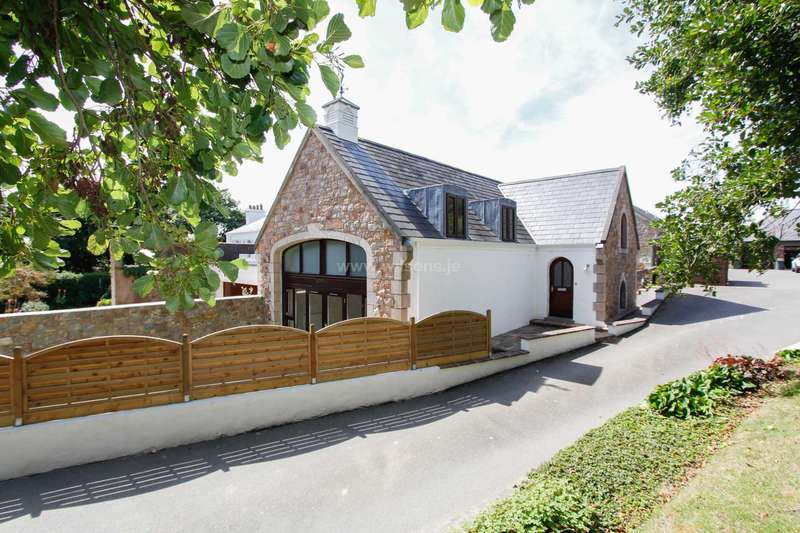 4 Bedrooms Detached House for sale in St Mary
