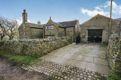 4 Bedrooms Detached House for sale in Whitle Fold, New Mills, High Peak, Derbyshire