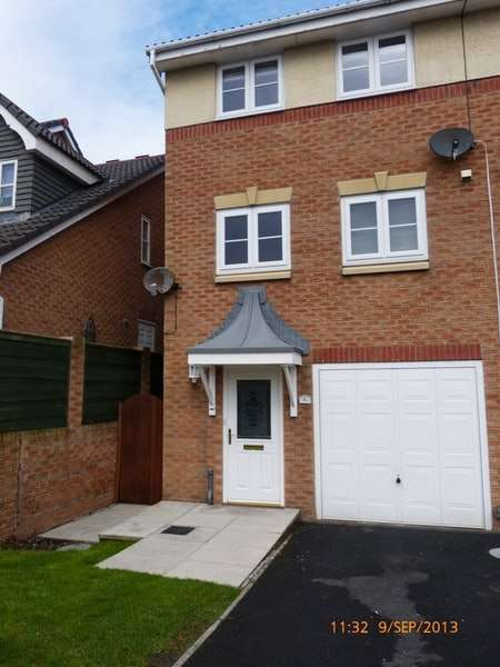 3 Bedrooms Town House for sale in Tower View, Blackpool, Lancashire, FY2