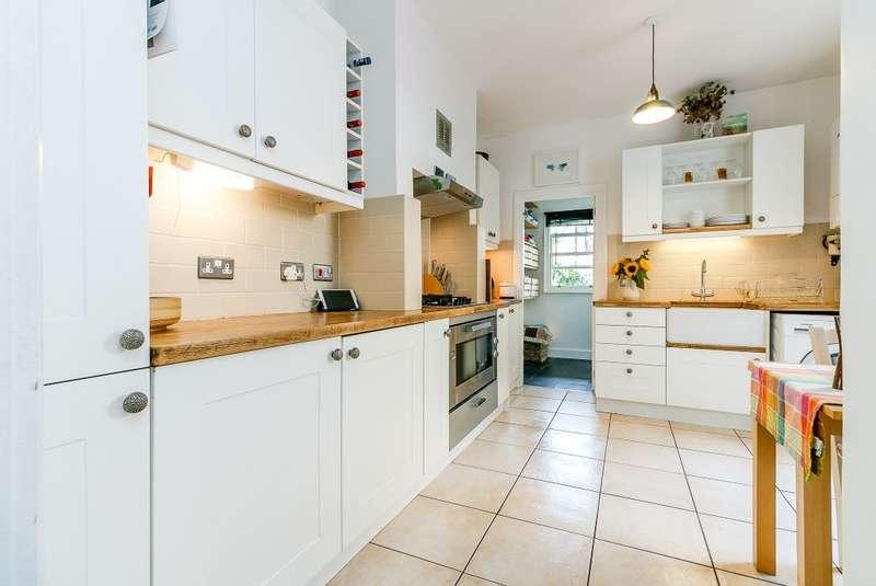 1 Bedroom Ground Flat for sale in Aylesbury Road, London, SE17