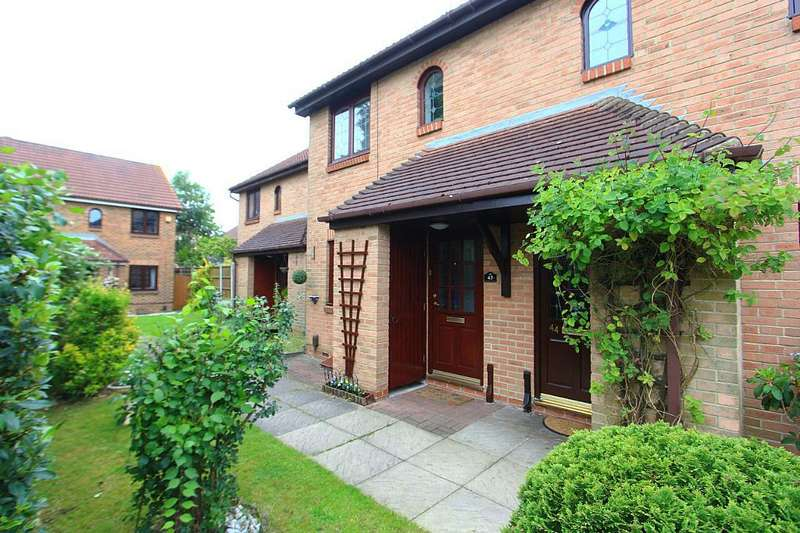 2 Bedrooms Terraced House for sale in Bentley Drive, Harlow, Essex, CM17 9PA