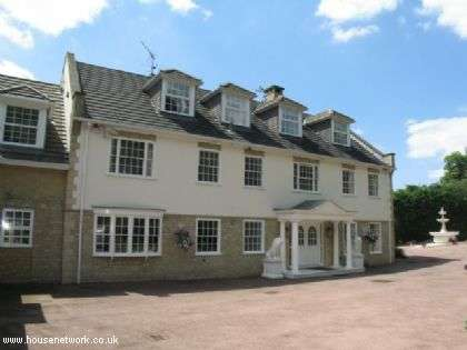 7 Bedrooms Detached House for rent in St Georges Hill, Weybridge, Surrey, KT13 0QW