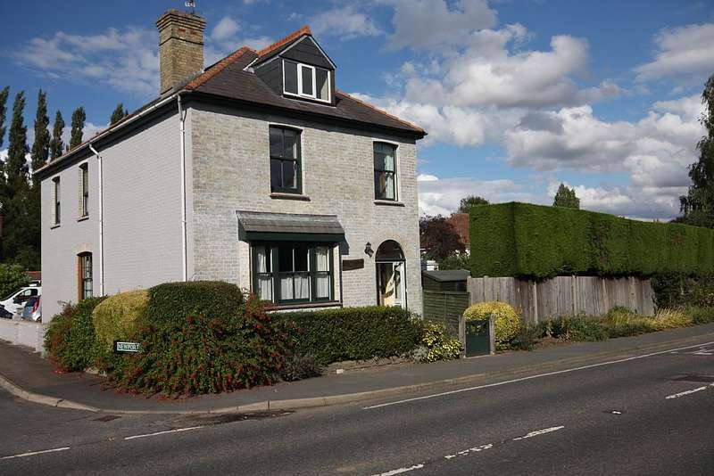 5 Bedrooms Detached House for sale in 'The Newports', 84 High Wych Road, Sawbridgeworth, Hertfordshire, CM21 0HQ