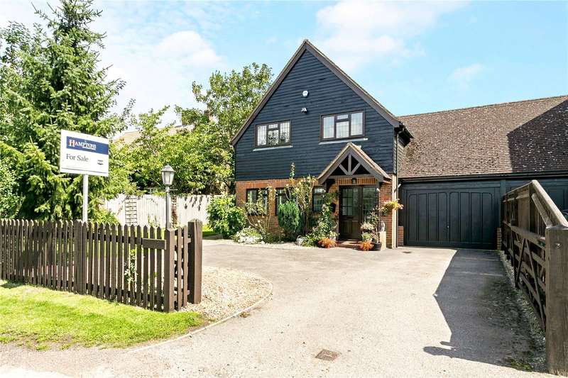 3 Bedrooms Detached House for sale in Roberts Lane, Chalfont St. Peter, Buckinghamshire, SL9