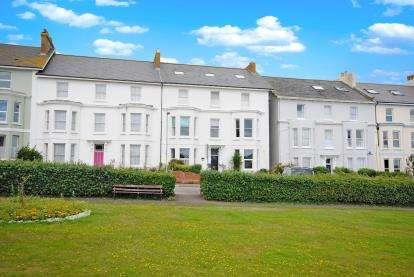 3 Bedrooms Flat for sale in Seaton, Devon