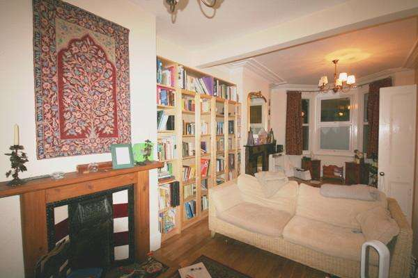 3 Bedrooms Terraced House for sale in Wernbrook Street, Plumstead Common, SE18