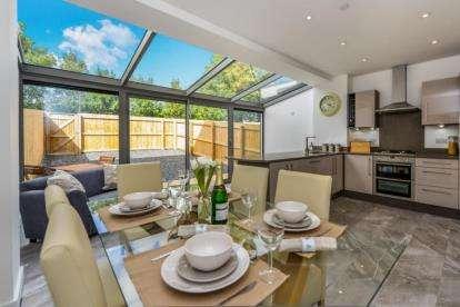 4 Bedrooms Town House for sale in Town End Way, Halton, Lancaster, Lancashire, LA2