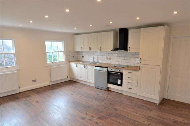 2 Bedrooms Apartment Flat for sale in Hillingdon Road, Uxbridge, Middlesex