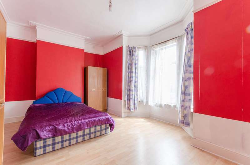 3 Bedrooms House for sale in Gladstone Ave, Wood Green, N22