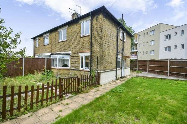 3 Bedrooms Semi Detached House for sale in Mascalls Road, London