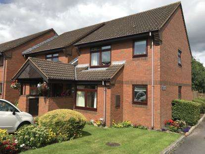 2 Bedrooms Retirement Property for sale in Lisbon Place, Westlands, Newcastle Under Lyme, Staffs