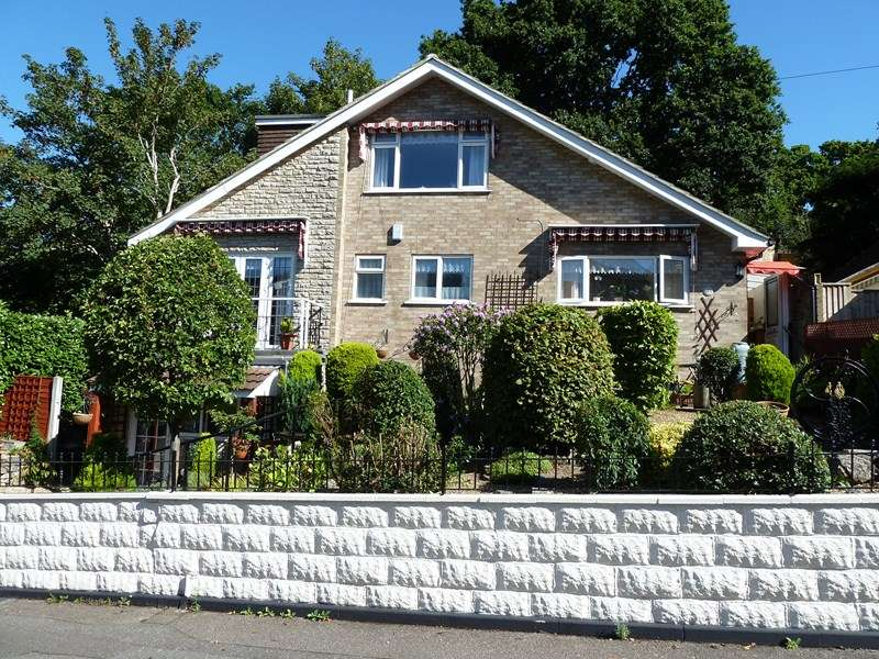 3 Bedrooms Chalet House For Sale In Abney Road Ensbury Park Bournemouth