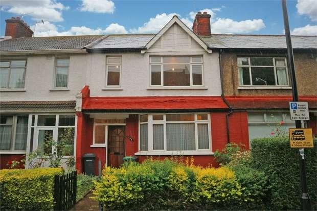 3 Bedrooms Terraced House for sale in Walpole Road, London
