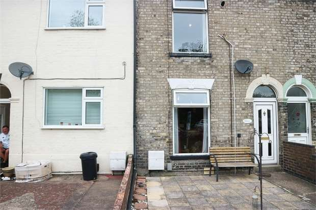 3 Bedrooms Terraced House for sale in Beaconsfield Road, Great Yarmouth, Norfolk