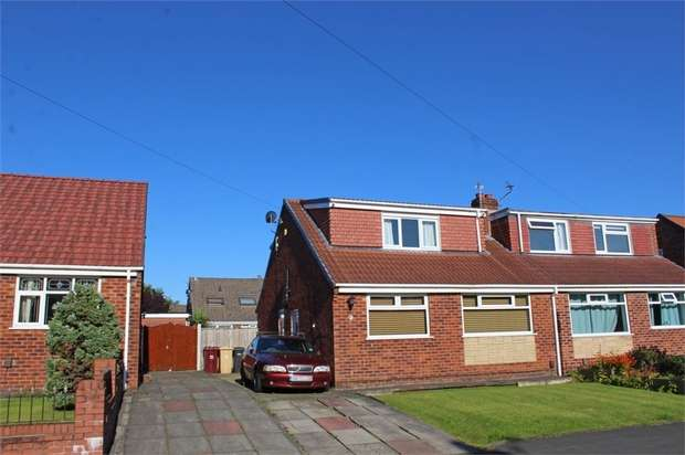 4 Bedrooms Semi Detached Bungalow for sale in Grasmere Avenue, Little Lever, Bolton, Lancashire