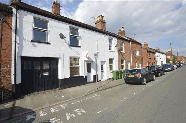 2 Bedrooms Terraced House for sale in TEWKESBURY, Gloucestershire, GL20 5NR