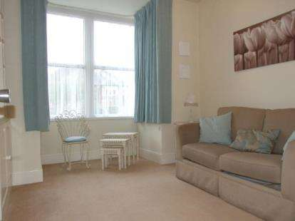 1 Bedroom Flat for sale in Newton Court, 91-93 Newton Drive, Blackpool, Lancashire, FY3