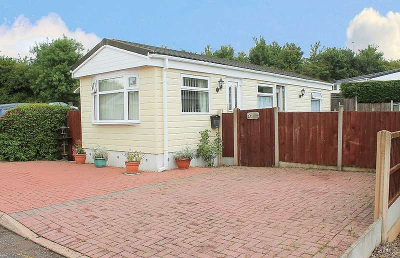 1 Bedroom Park Home Mobile Home for sale in St Christophers Drive, Tamworth, B77 1DS