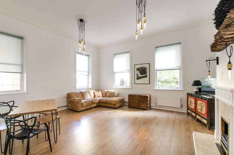 2 Bedrooms Flat for sale in Drummond Gate, Pimlico, SW1V