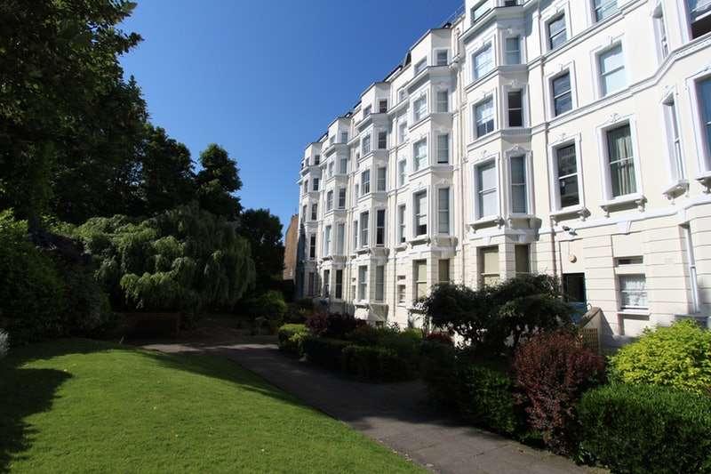 1 Bedroom Flat for sale in Colville Gardens, London, London, W11