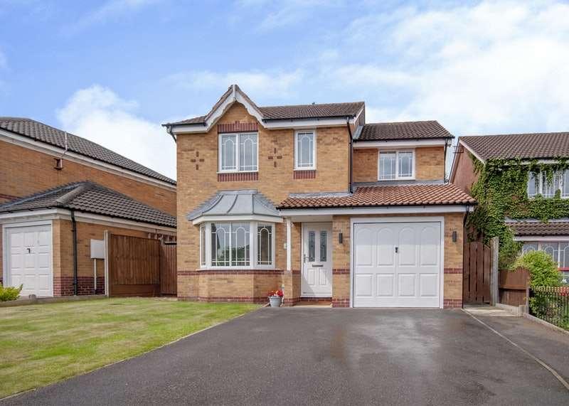 4 Bedrooms Detached House for sale in Honeysuckle Drive, Alfreton, Derbyshire, DE55