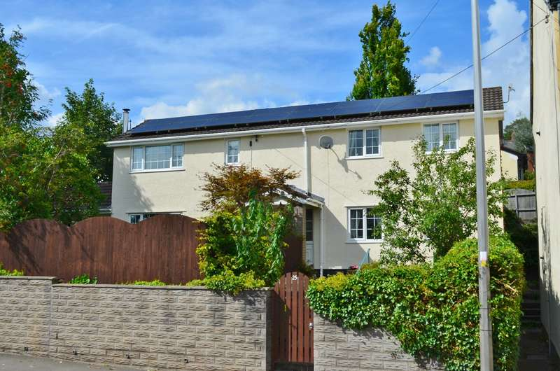 4 Bedrooms Detached House for sale in Commercial Road, Machen, Caerphilly, CF83