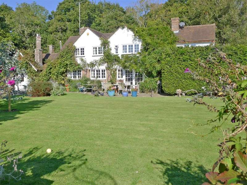 4 Bedrooms Detached House for sale in Wheatsheaf Road, Henfield, West Sussex