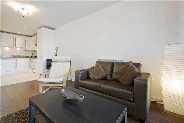 1 Bedroom Apartment Flat for sale in Swindon, Swindon