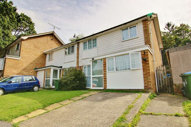 3 Bedrooms Semi Detached House for sale in ADDITIONAL LIVING SPACE! GARAGE! VENDOR SUITED!