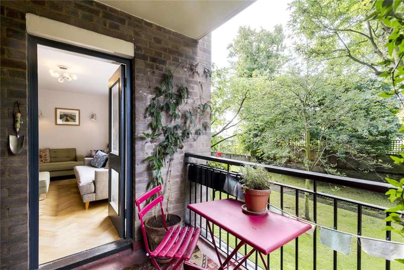 3 Bedrooms Flat for sale in Clifford Court, Westbourne Park Villas, London, W2