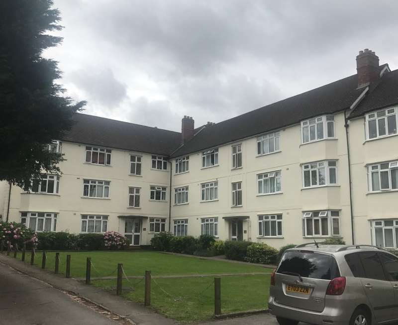 2 Bedrooms Flat for sale in Buckingham Court, Watford Way, Hendon, London, NW4 4TD